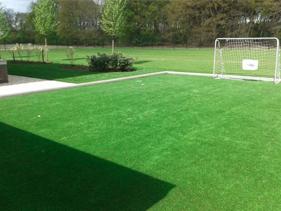 Boisko sportowe ze sztucznej trawy